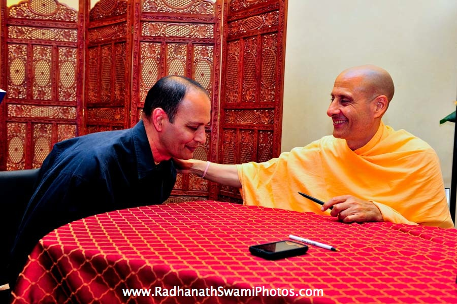 Sachidulal prabhu with Radhanath Swami at Bodhi Tree Book Store