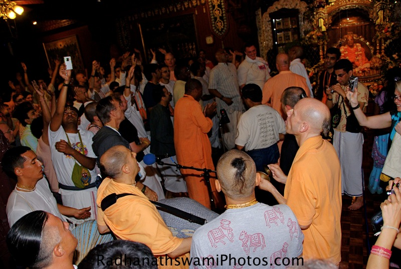 Gurupuja by HH Radhanath Swami at Los Angeles Temple