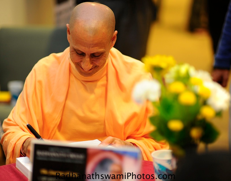 Radhanath Swami - Dance to the source of love