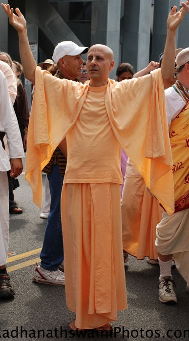 Radhanath Swami during Rath Yatra at Los Angeles