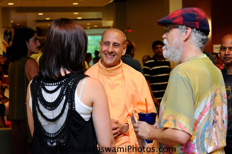 Radhanath Swami speaking to Guests at Center for Spiritual Living