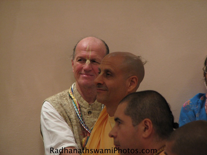 Radhanatha Swami with Devotees
