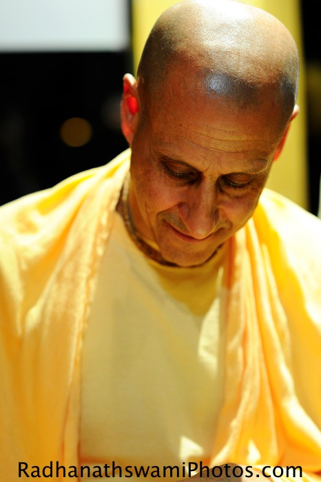 Radhanatha Swami in Seattle