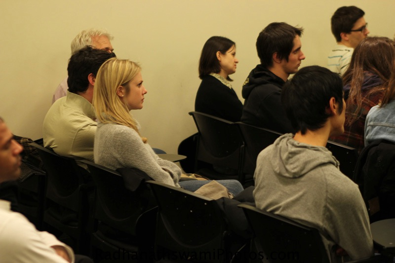 Students of New York hears a talk by Swamy Radhanatha