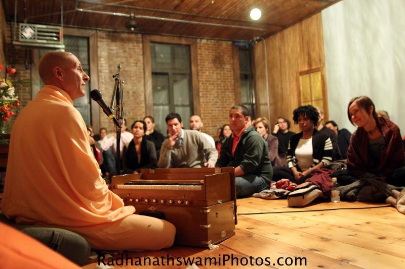 Talk by HH Radhanatha Swamy at Kula yoga Center