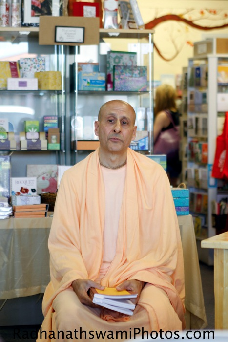 Talk by Radhanath Swami to Guests
