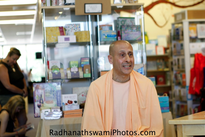 Talk by Radhanath Swami to the Guests