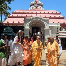 Jagannath Puri Yatra with Radhanath Swami