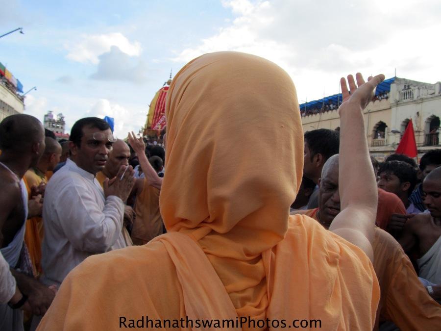 Radhanath Swami during Puri Rath yatra