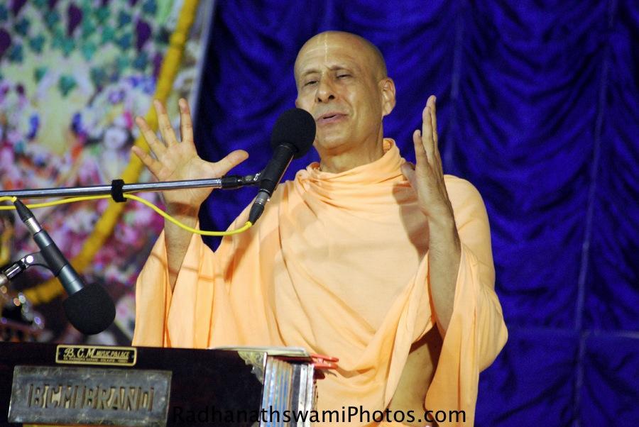 Talk By Radhanath Swami during puri Yatra