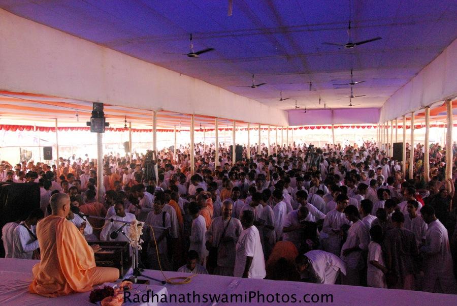 Talk by HH Radhanath Swami during Jagannath Puri Yatra