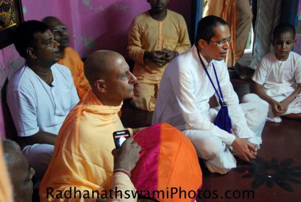 Radhanath Swami singing kirtan for Srila Prabhupada