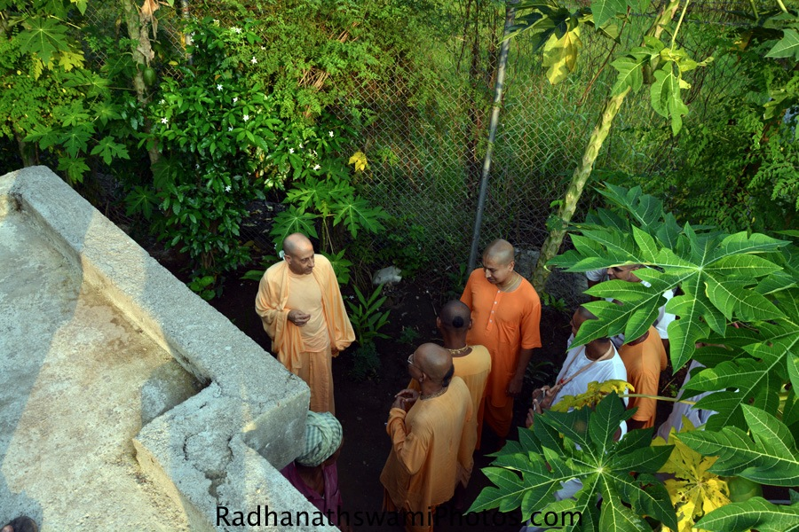Radhanath Swami talking to devotees at GEV
