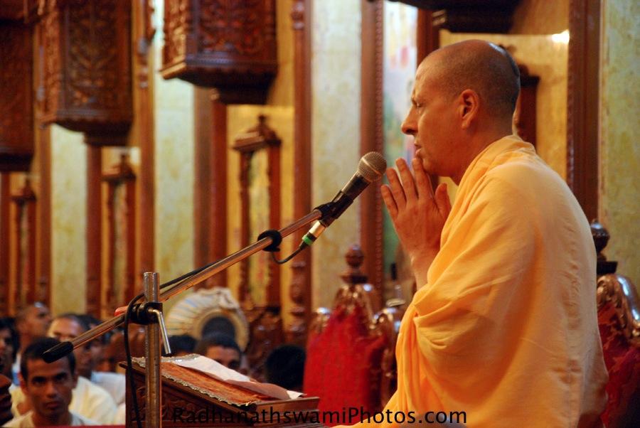 Talk by Radhanath Swami Maharaj at ISKCON Chowpatty