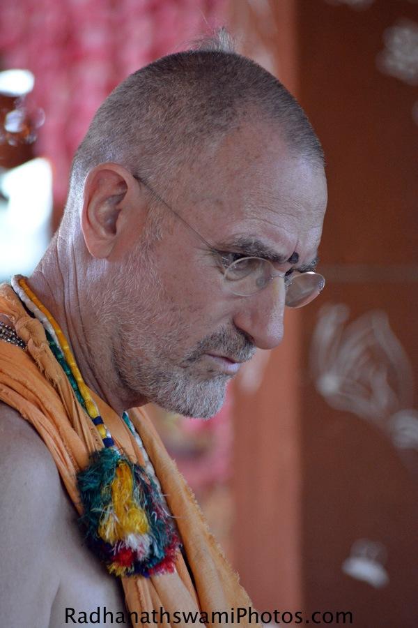 Bhakti vidyapurna Swami Maharaj