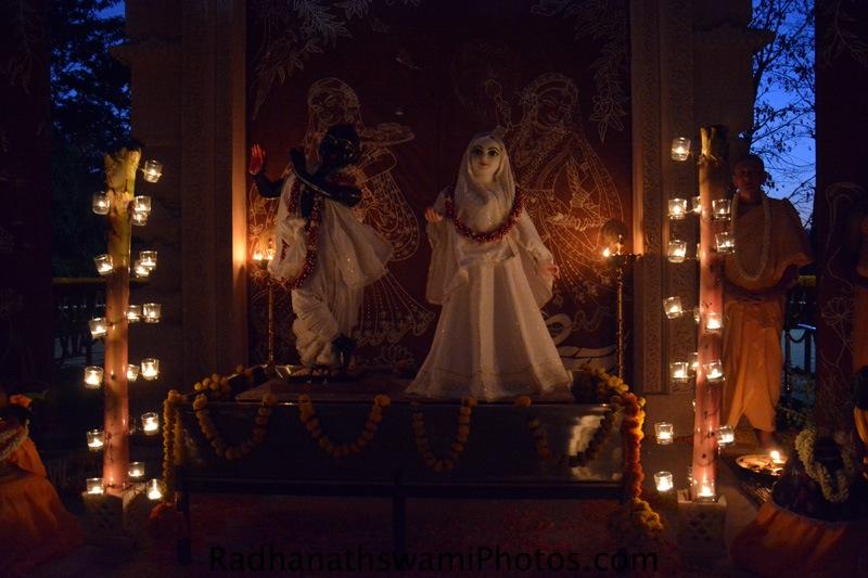 Darshan of Radha Vrindavanvihariji