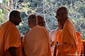 Radhanath Swami speaking to devotees
