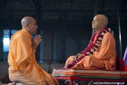Radhanath Swami praying to Srila prabhupada