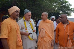 Radhanath swami with devotees1