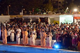 Devotees doing Ganga Arati1