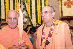Indradyumna Swami and Niranjana Swami at ISKCON Chowpatty
