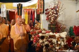 Radhanath Swami visiting stalls at Pandal3