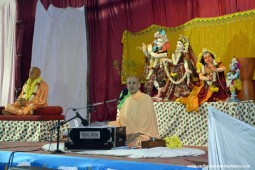 Talk by Radhanath Swami at Hampi