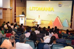 Talk by Radhanath Swami at Weligkar Institute