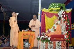 Radhanath Swami doing arati to srila prabhupada
