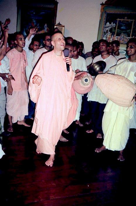 Kirtan by HH Radhanath-Swami