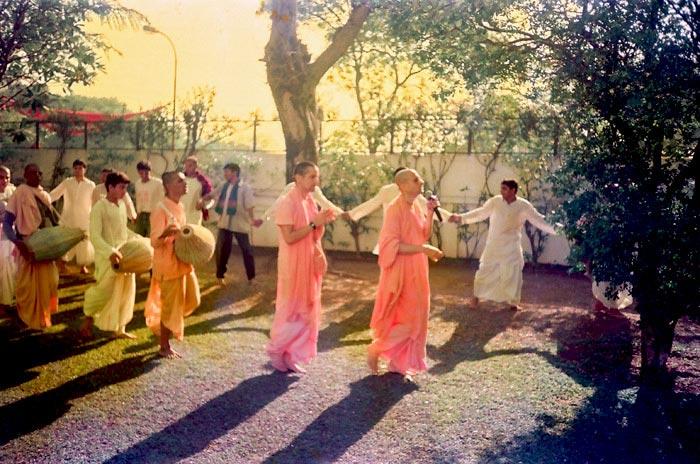 Radhanath Swami's Kirtan during Pune Yatra