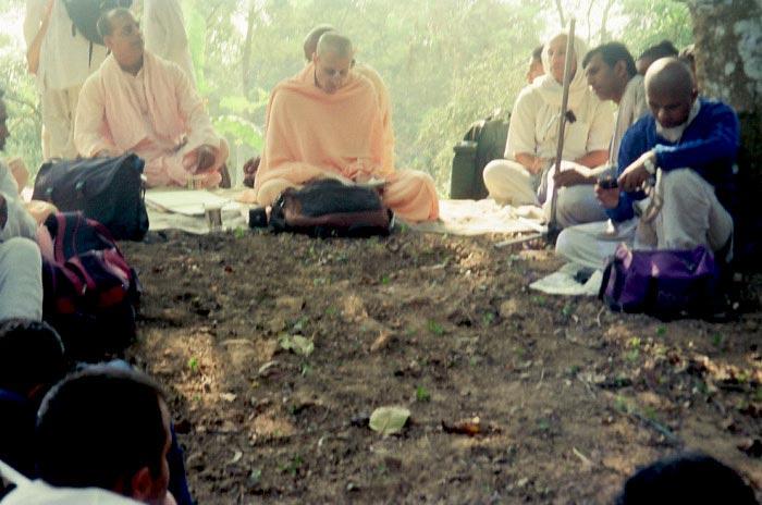 Radhanath Swami Reading Scripture