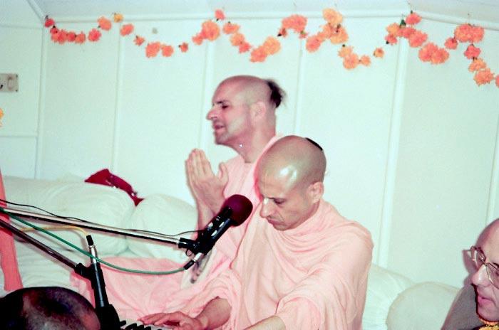 Radhanath Swami - Kirtan