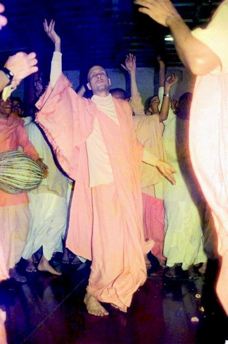 Radhanath Swami in Kirtan
