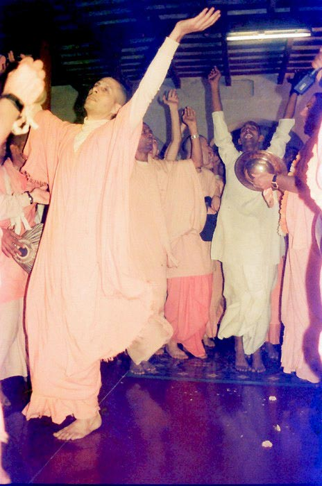 Radhanath Swami Maharaj in Kirtan