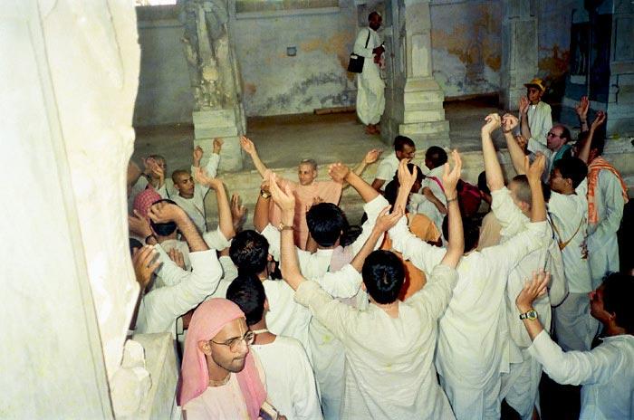 Swami Radhanath in Kirtan