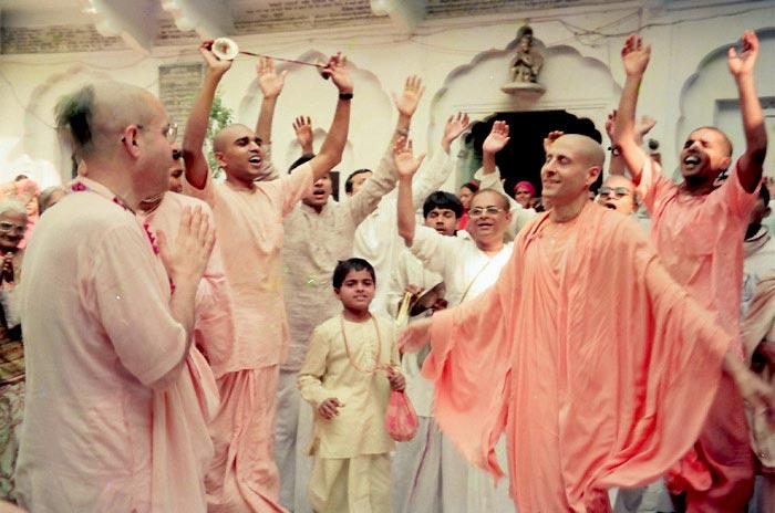 Radhanath Swami dancing in Kirtan
