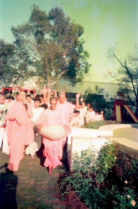 Radhanath-Swami Kirtan