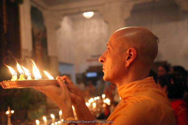 Radhanath Swami Performing Arati