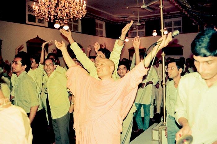 Radhanath Swami in a Kirtan
