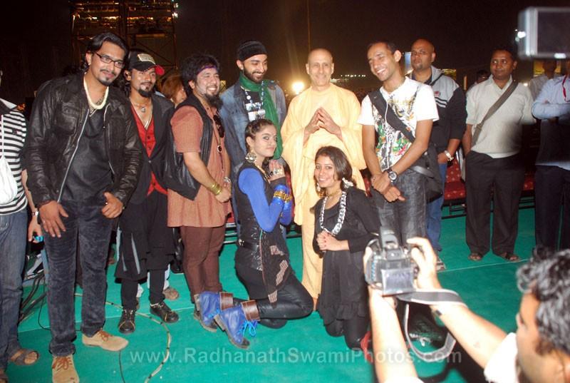 Radhanath Swami with Madhavas Band