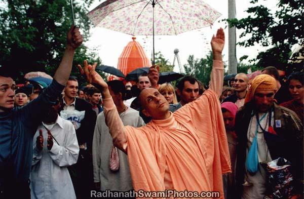 Radhanath Swami Dancing