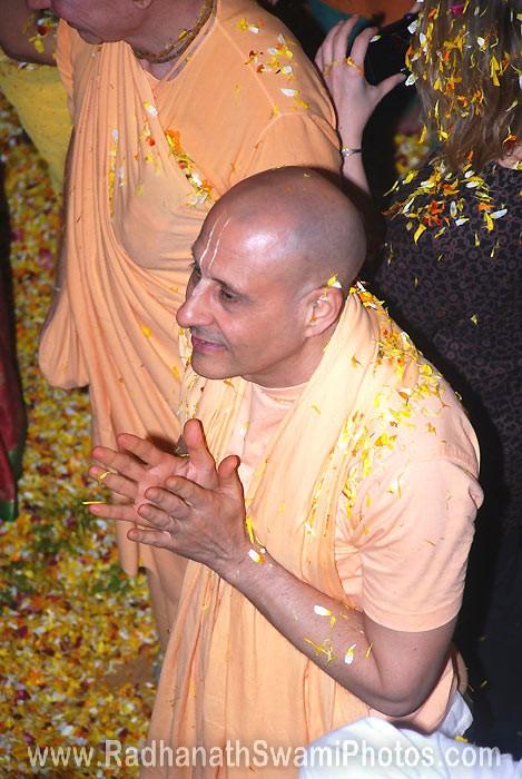 Radhanath Swami Pusya Abhishek