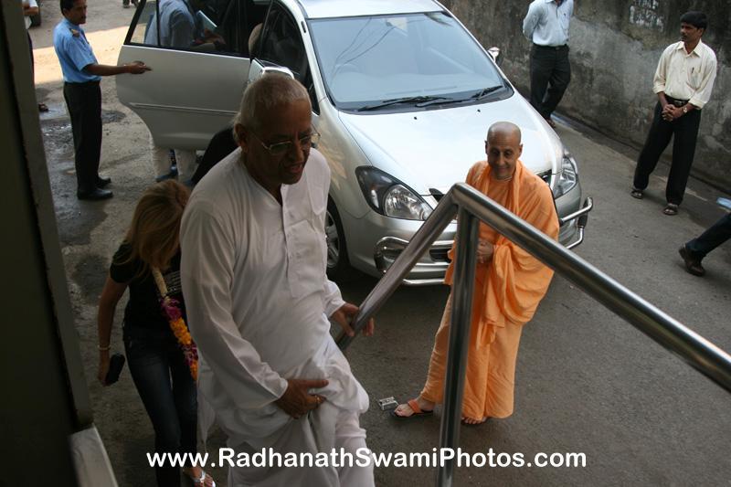 Radhanath Swami at Midday Meal