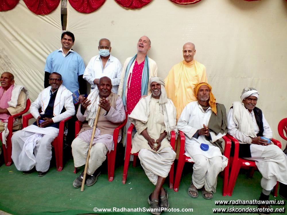 Radhanath Swami with Patients and Doctors