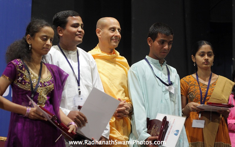Radhanath Swami With Winners of GCL