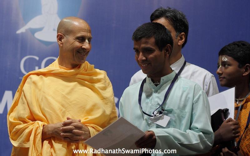 Radhanath Swami distributing Prizes