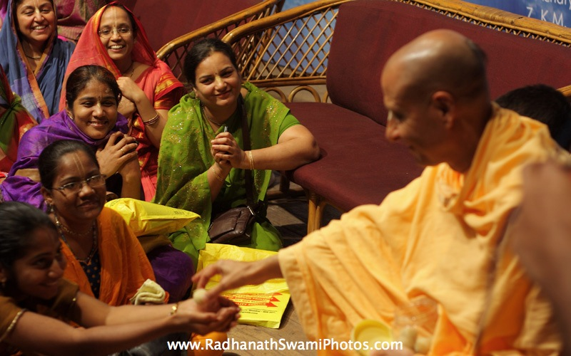 Radhanath Swami in GCL Prize Distribution