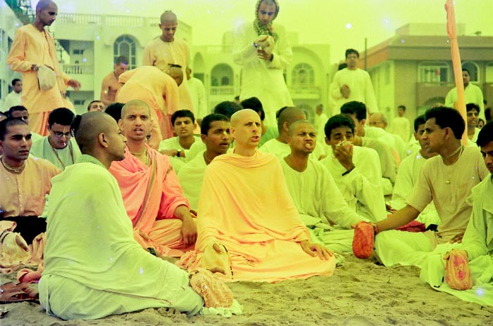 Radhanath Swami Chanting with Devotees