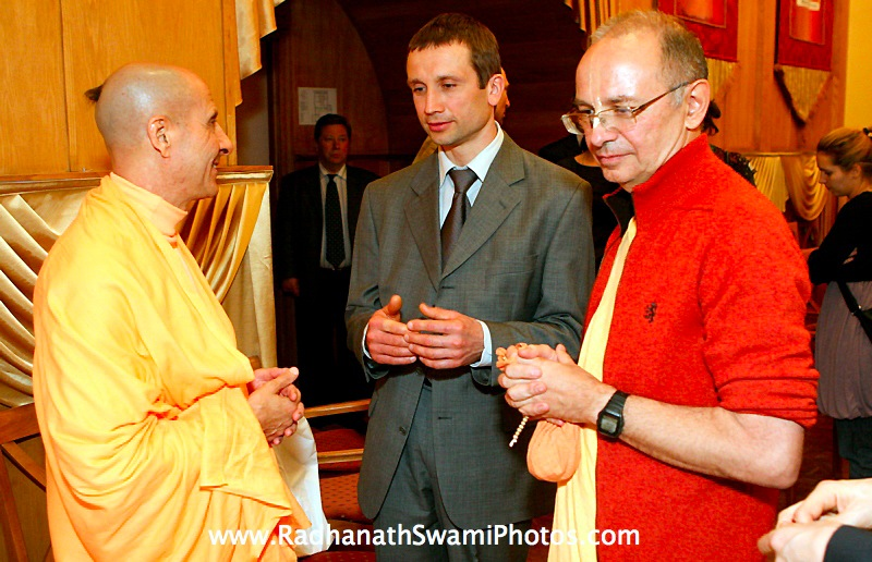 Moscow Yatra in Central Strategia with Radhanath Swami